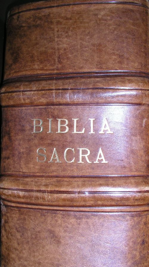 Bible version Vulgate 1573
