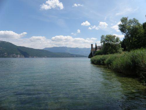 Ciel bleu du Lac du Bourget