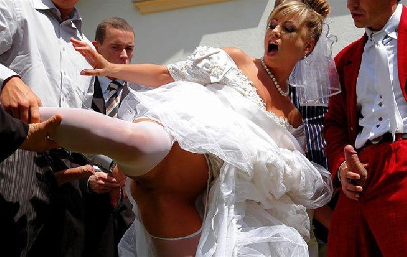 foto-trahat-nevestu-v-svadebnom-naryade