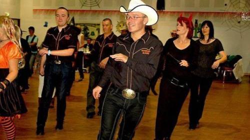 initiation-aux-danses-en-ligne-et-bal-country.jpg