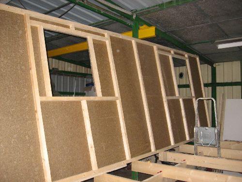 construction d 39 une roulotte en bois auto construction les forums de maisons bois international. Black Bedroom Furniture Sets. Home Design Ideas