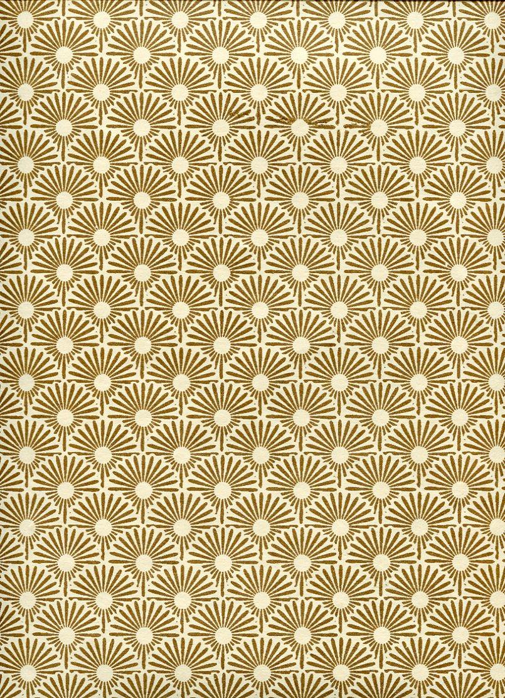 roue or fond ivoire.jpg