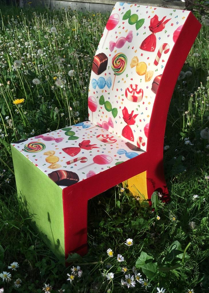 chaise en carton web (3).JPG