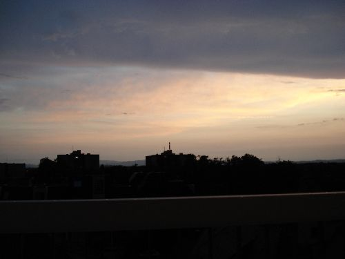 Nuit tombante vue de ma terrasse