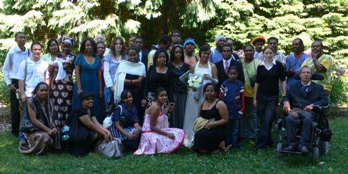 Un beau mariage avec beaucoup de témoins !
