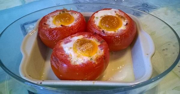 tomates et oeufs en cocotte.jpg