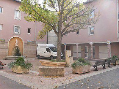 Place Saint-Gens à Monteux