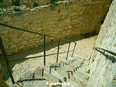 Vue du haut des escaliers de la tour de l'Horloge Pernes les Fontaines
