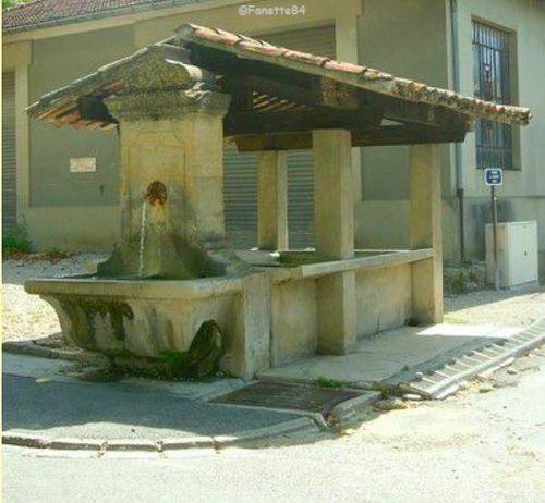 Lavoir Fontaine à Saint Didier