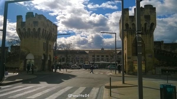 Avignon, gare et rue de la République