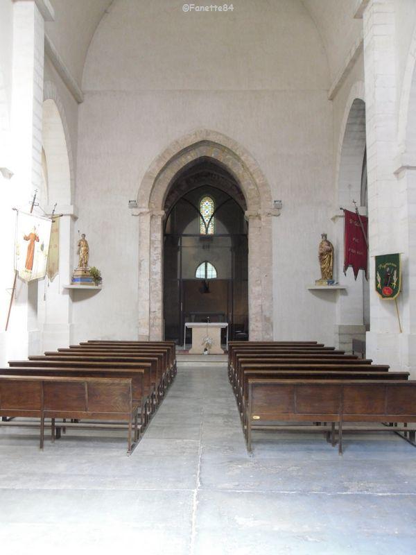 Intérieur de l'église de St Gens