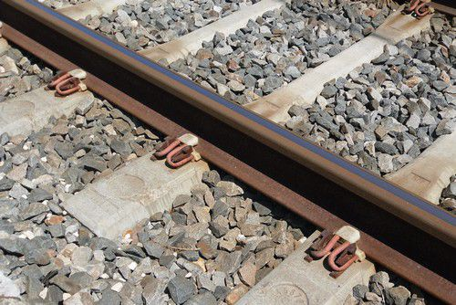 Attaches de rail
