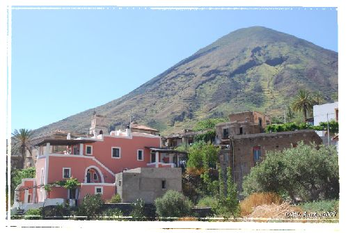 le Monte dei Porri ; étrange ressemblance avec nos volcans auvergnats ???