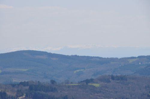 Et au loin le Cantal...