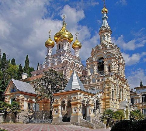 église orthodoxe russe.jpg