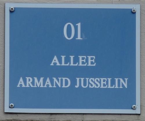 Plaque rue JUSSELIN VILLENEUVE ST GEORGES .JPG