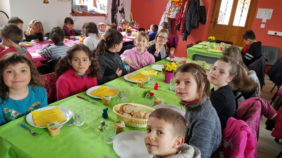 Repas paques-25-3-16-All2.jpg