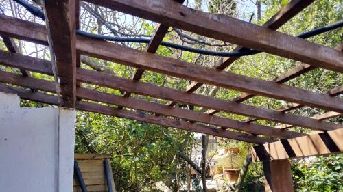 Quadrillage charpente toit Pool House 4 avr 15.jpg