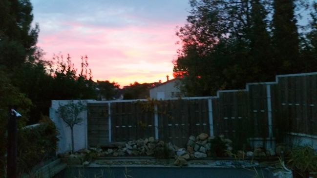 Lever de soleil piscine 25 oct 15.jpg