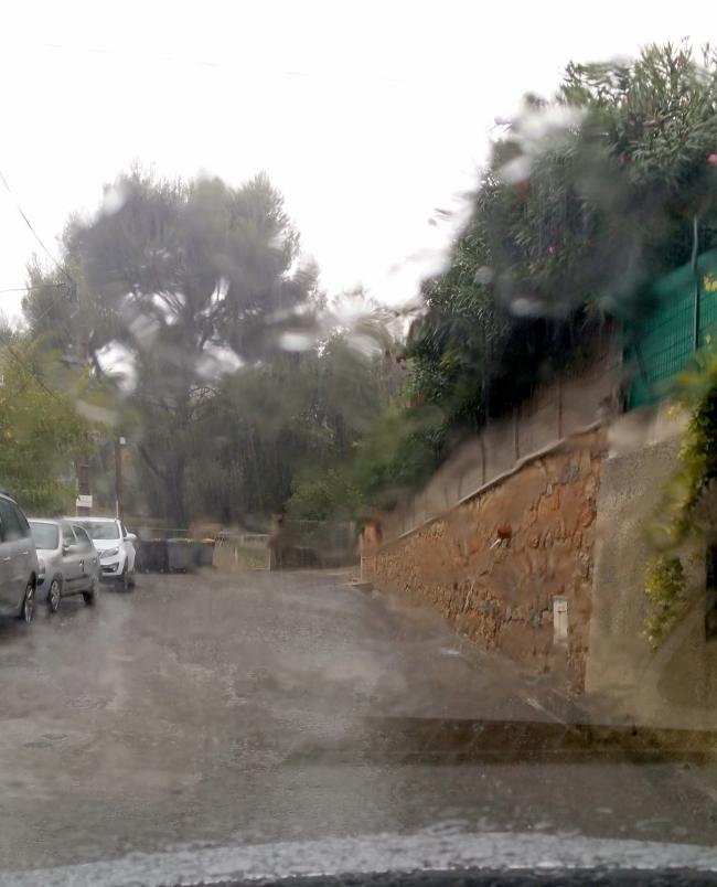Ecoulement eau mur Bertrand 28 oct 15.jpg