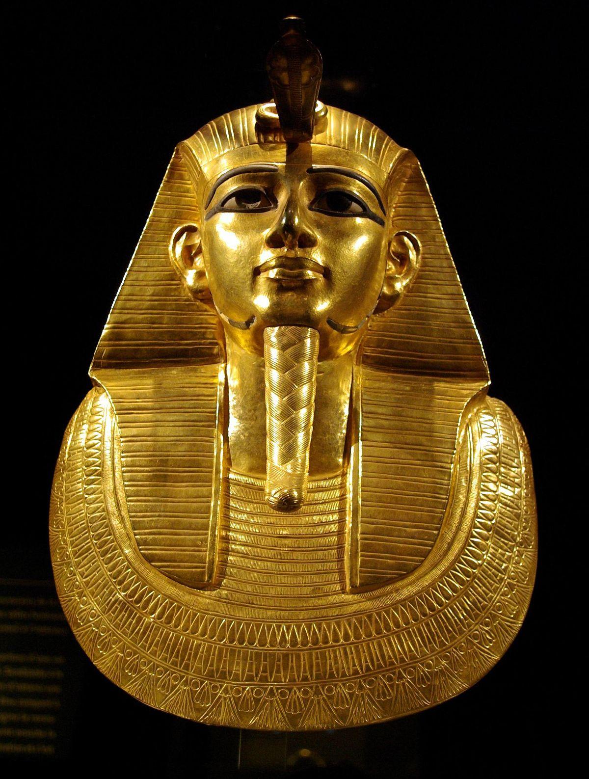 1200px-Psusennes_I_mask_by_Rafaèle.jpg