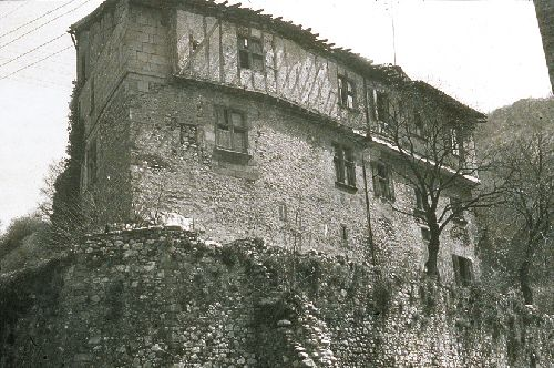 Le château de Lavelanet (Ph. Coll. privée - Ariège Magazine)