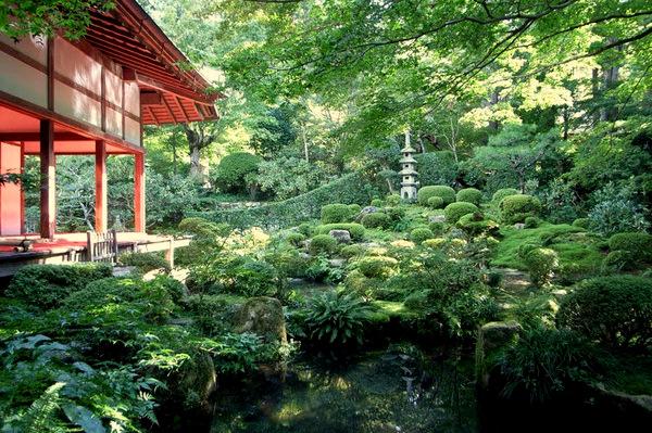 sanzen-in-temple-garden-M.jpg