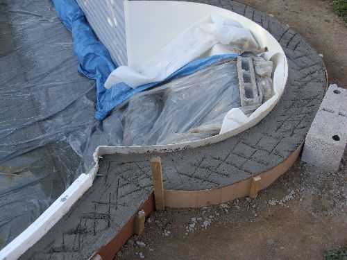 Construction piscine olivia waterair for Ceinture beton piscine