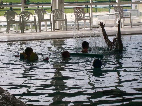 Soins motricit s la piscine de saujon parlons d for Parlons piscine