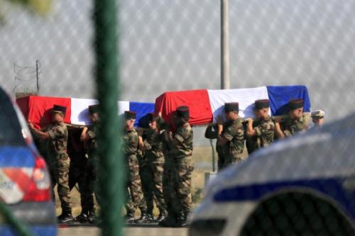 cercueils-de-deux-militaires-francais-tues-en-afghanistan_148.jpg