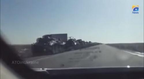 colonne de BTR- S en Crimée.jpg