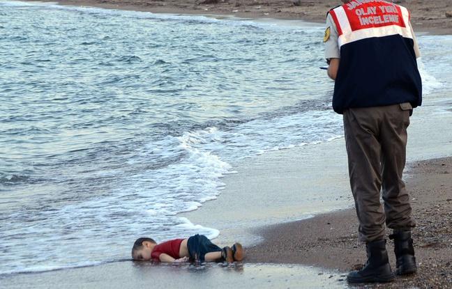 enfant-mort-plage-turque-choque-monde-2-septembre-2015.jpg