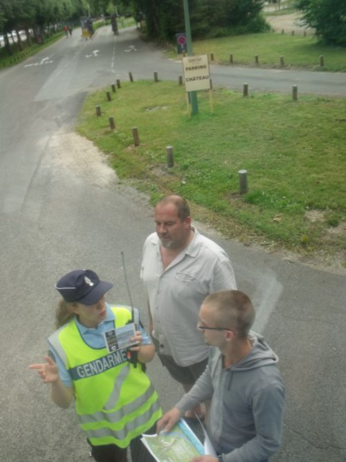 Discussion avec la gendarmette