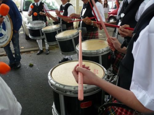 Askol Ha Brug Pipe Band place du marché de Tharon-Plage