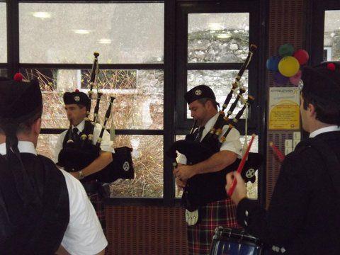 Le Gaëlic Club Pipe Band et Askol Ha Brug Pipe Band au Téléthon de Sautron