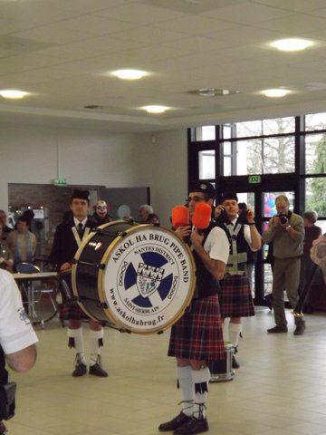 Le Gaëlic Club Pipe Band et Askol Ha Brug Pipe Band au Téléthon de Sautron