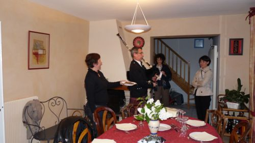La femme de Christophe et Roland à la Cornemuse pour la cérémonie de présentation du Haggis