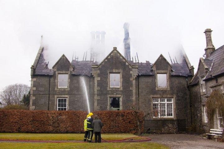Model School pendant l'incendie.jpg