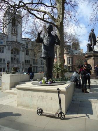 Mandela in London.jpg