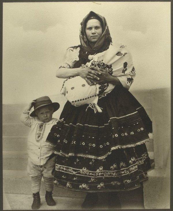 Une Slovaque et ses enfants .jpg