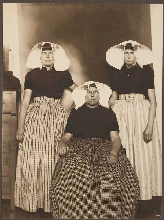 Trois Hollandaises.jpg