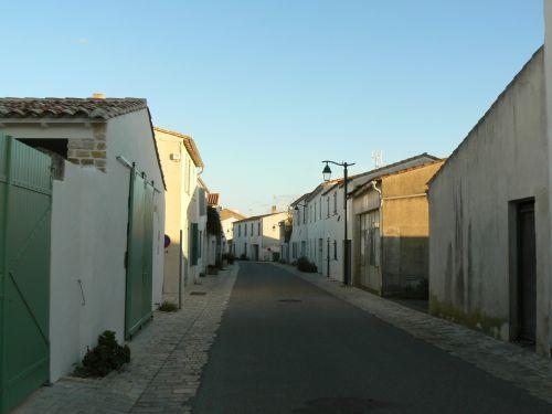 Une rue d'Ars en Ré