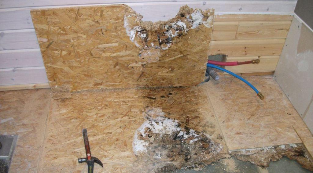 D g t des eaux sur dalle en bois autoconstruction maison for Coffrage tuyaux salle de bain