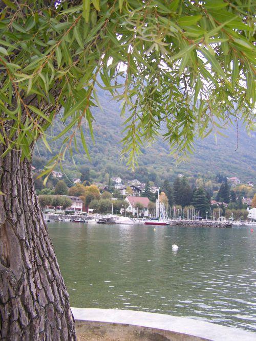Le bourget du lac savoie passeport pour escapade en for Camping bourget du lac avec piscine