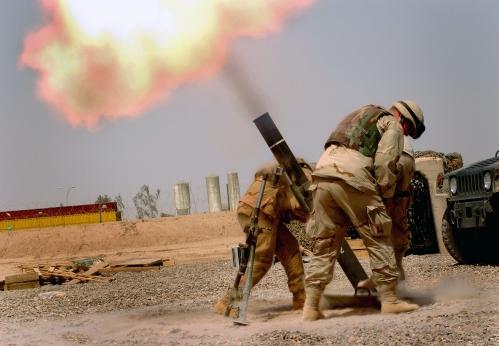 Mortar_firing_Iraq.jpg