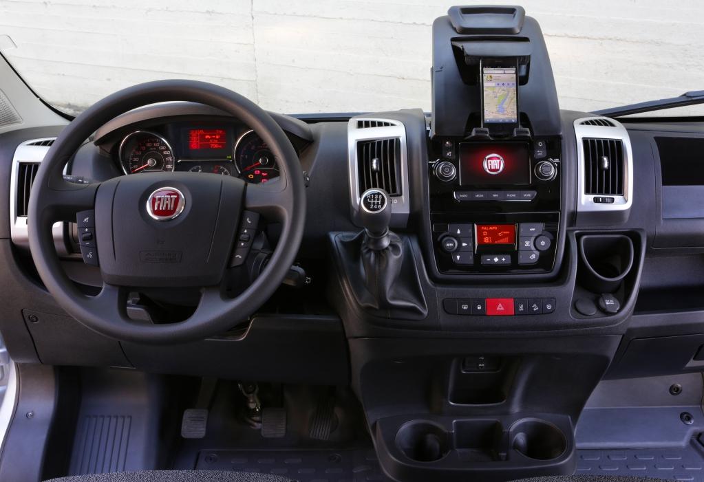 Fiat ducato generation 2014 un vrai pro v hicules for Interieur fiat ducato 2000
