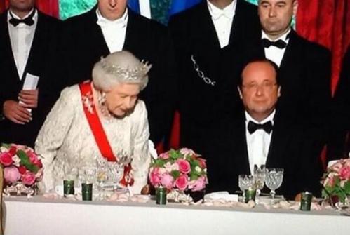 0 Hollande et la Reine.png