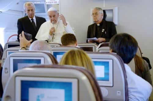 Pape François - conférence de presse avion.jpg