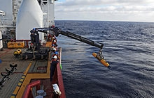Ocean_Shield_deploys_the_Bluefin_21_underwater_vehicle.jpg