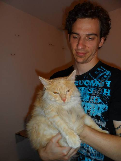 leon adopte.jpg